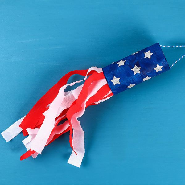 These toilet paper roll rockets are perfect for your old fashioned 4th of July decor