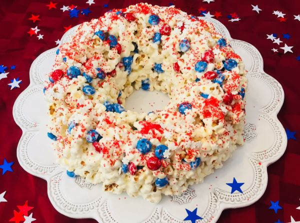 This popcorn cake is sure to fire up your old fashioned 4th of July party